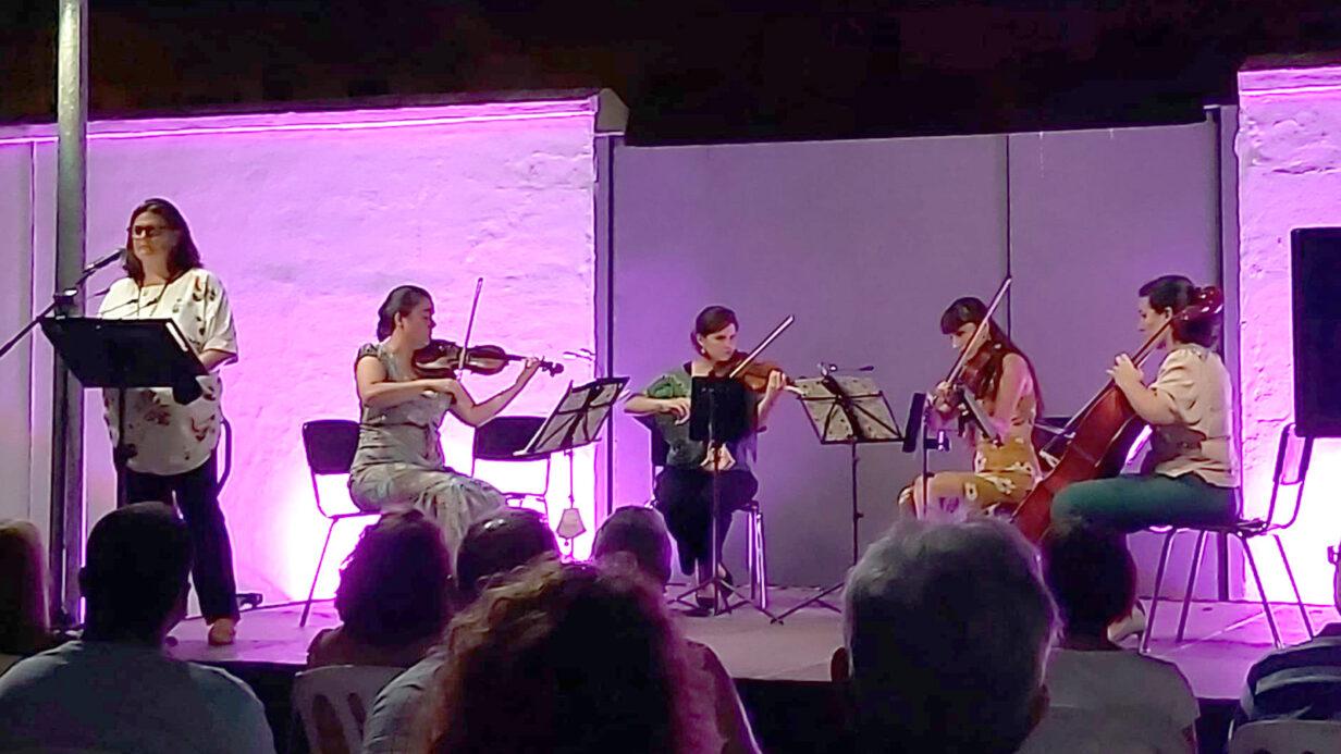 El cuarteto de cuerdas Almaclara·Inés Rosales, durante el concierto de homenaje a Bécquer en el Hogar San Fernando de Sevilla.